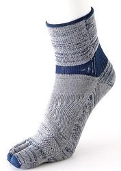 タビオ 25万枚販売のランナー専用靴下からトレイルランナー向け誕生