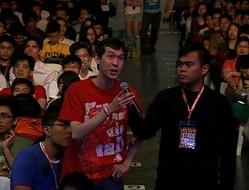 シンガポールの『あの花』ファン。彼が質問すると会場では大きな拍手が起こった