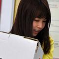 夏イベントで、重い荷物をイヤな顔をせずに運ぶユイパン。1993年12月13日生まれの23歳。早稲田大学国際教養学部卒業後、16年にフジテレビに入社。学生時代、TOEICで満点の990点を叩き出している才女なのだ