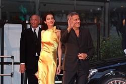 結婚後初来日のジョージ・クルーニーと新妻アマル