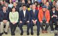 宜野湾市長選に敗れて沈痛な面持ちの志村陣営。翁長知事を支える「オール沖縄」は知事選、衆院選では勝利してきたが、今回その勢いにストップがかかった