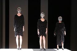 【動画】アンリアレイジ「サイズが変わる服」を開発<2014年春夏コレクション>