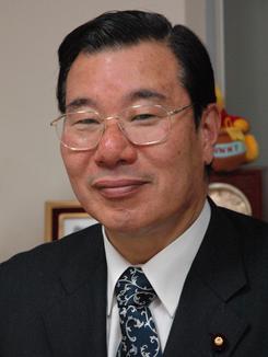 9日、「共謀罪法案」についてインタビューに答えた自民党・早川忠孝衆院議員。(撮影:徳永裕介)