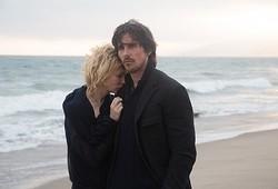 テレンス・マリック監督作だけに、コワモテなクリスチャン・ベイルもガラリと印象が変わっています  - (C)2014 Dogwood Pictures, LLC