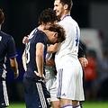 試合後に涙した浅野拓磨 決定的チャンスで横パスを選択したワケ