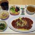 Yahoo! JAPANの社員食堂「BASE 6」に潜入 充実の料理と設備に驚き