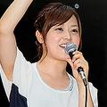 2010年、日本テレビに入社。『ヒルナンデス!』のMCを担当。関ジャニ∞の横山裕との熱愛が報じられたがその人気に衰えは見えていない