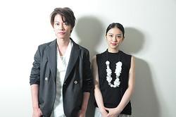 (左から)佐藤健、武井咲