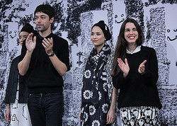 ヴィアバス、パリコレ参加「デヴァステ」とコラボしショー開催