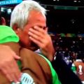 写真はYoutube「Algeria Manager Vahid Halilhodžić Crying and Hugging Players After World Cup Elimination vs France」のキャプチャ