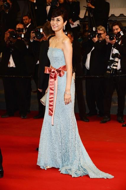 松嶋 菜々子さんがカンヌ国際映画祭で ヴァン クリーフ&アーペルのジュエリーを着用