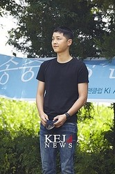 ソン・ジュンギ入隊、日韓中100人のファンに見送られ「元気に行ってきます!」