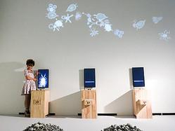 60万人動員のインタラクティブな光の展覧会「魔法の美術館」東京初開催