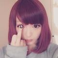 きゃりーのポーズに賛否(画像はinstagram.com/kyarykyary0129より)