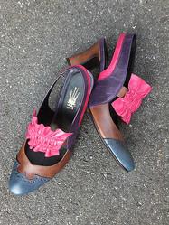 女性靴職人のシューズ展「靴に恋して」開催