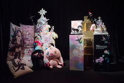 村上隆×シュウウエムラのクリスマスコレクション全貌披露