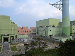 台湾の第4原発  建設続行の判断、住民投票へ