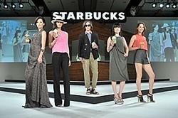 「メロウ」「アクティブ」「グラマラス」の3つのシーンに分かれて登場した5人のモデルたち