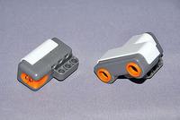 左が光センサー、右が超音波センサー
