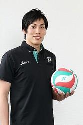 全日本選手権、プレミアリーグを制し、黒鷲旗で史上2チーム目の3冠に挑むJTサンダーズの主将・越川優