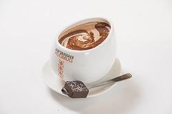 連日行列 イスラエル発チョコレートバー「MAX BRENNER」ソラマチに2号店