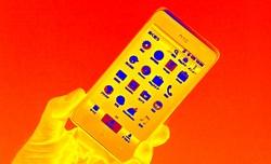 高性能なXperiaやiPhoneは夏に弱い?今時のスマホの発熱対策