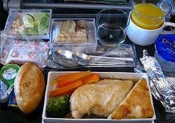 機内食はお好き?(画像はイメージです)