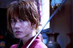 意外にも?佐藤健の剣心がハマり役な、実写版の映画『るろうに剣心』は8月25日(土)より全国ロードショー公開予定