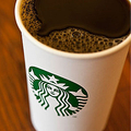 スタバも始めた「保留コーヒー」