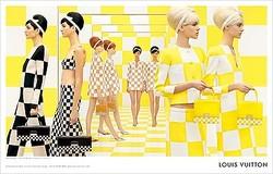 双子ルックのルイ・ヴィトン2013年春夏広告 仏現代アーティストがランウェイを再現