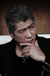 アーティストとしてはもちろん、役者としての活動も目覚ましい吉川晃司