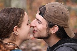 キスで男性の本気度がわかる?「キスの回数」「キスの時間」「キス前後の言葉」