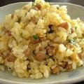 納豆チャーハンをパラパラに仕上げるコツ 卵と納豆を先に入れる