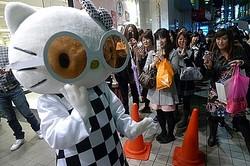 フォーエバー21にキティちゃん来店 コラボ企画スタートで渋谷に行列