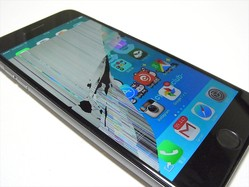 iPhone 6シリーズは落下しやすい! 3万円以上の修理費をださないための落下防止グッズって何?
