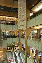 東京ミッドタウン初の大改装 ファッション・雑貨ショップ強化
