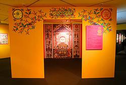 ミキモト本店で切り絵作家の展覧会 日本初公開作品を展示