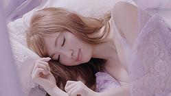 【動画】AKB48小嶋陽菜の寝顔公開 ピーチ・ジョン新ムービー