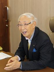 経営哲学を語る「富士そば」の会長・丹道夫氏