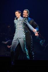 ウィーン・ミュージカル珠玉の名曲を、ウィーンのトップスターたちが ...