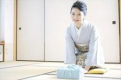 海外へ行って気づいた! 日本の長所&短所「長所:美しいトイレが無料」「短所:意見をはっきり言わない」