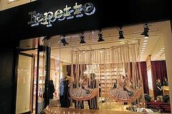 レペット銀座店オープン 世界で1つのシューズをつくる「アトリエレペット」常設