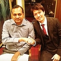 スリランカの大臣と押尾学(出典:https://www.instagram.com/manabuoshio_official)