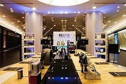 ファッション×先端デジタル商品の「RESTIR デジタルバー」東京に初出店