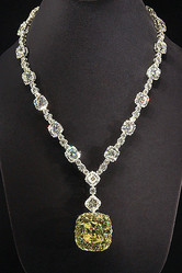 創業175年記念で伝説のティファニーダイヤモンド披露
