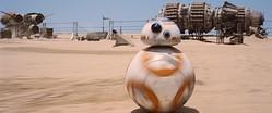 コロコロと移動する姿にキュンとくる! BB-8  - (C) 2015 Lucasfilm Ltd. & TM. All Rights Reserved.
