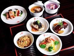 航空チケットを1枚購入した中国人、想定外の方法により1年間ラウンジで無料の食事を利用し続ける