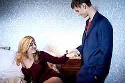 シスレーの新広告はジョージア・メイ・ジャガーら若手カップル起用