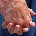 高齢者の間で密かに蔓延する「孫疲れ」 孫の世話を押し付けられ疲弊