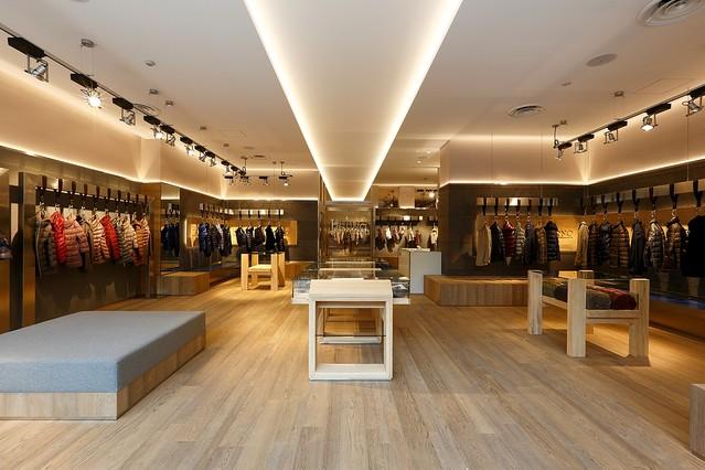 ダウンが人気のイタリアブランドヘルノ青山店がオープン